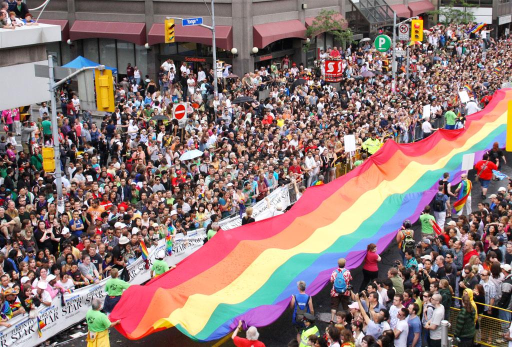 8 ciudades para celebrar el #PrideWeekend - toronto-pride