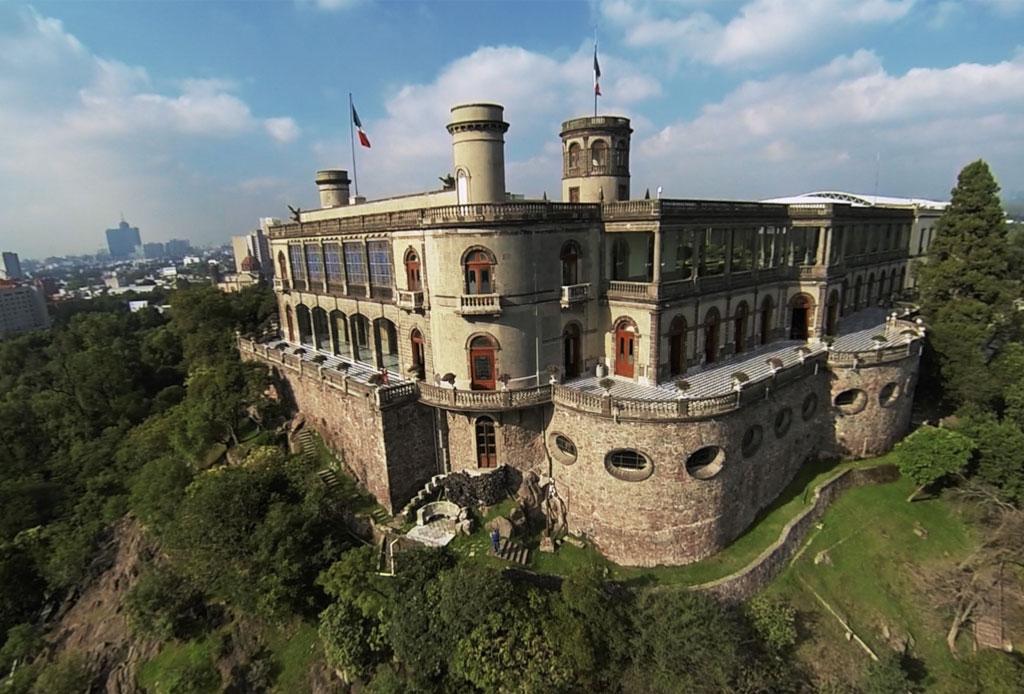 42 lugares para un inolvidable tour arquitectónico por la CDMX - castillo-chapultepec