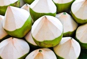 Todo lo que el agua de coco puede hacer por ti