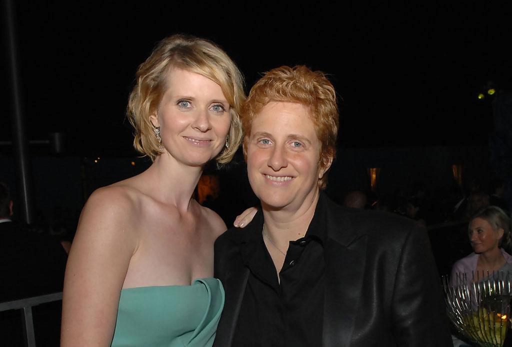 10 famosos que se casaron con personas fuera de la industria del entretenimiento - cynthia-nixon
