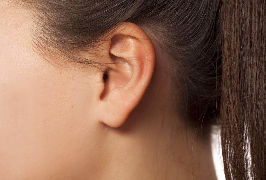 6 zonas faciales que vale la pena depilar con láser - patilla