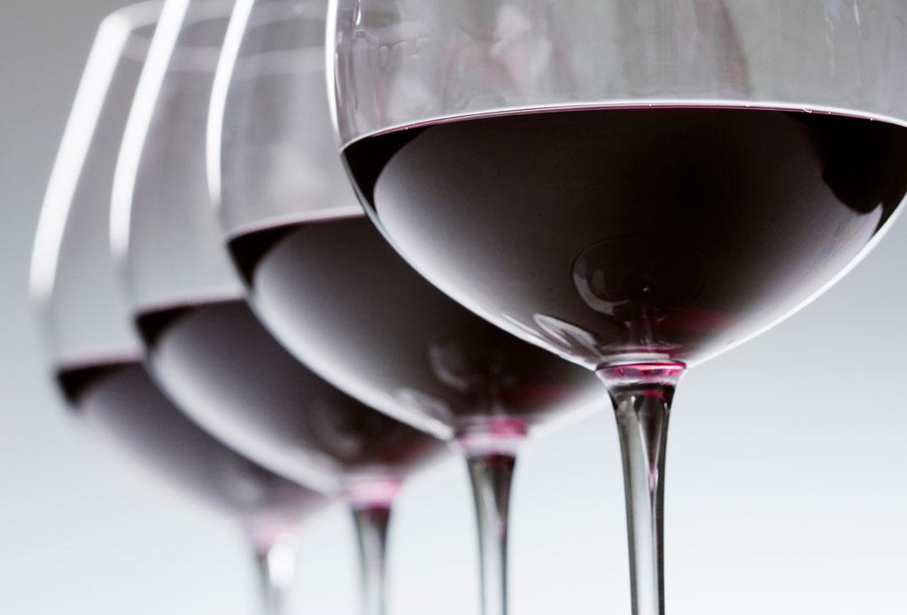 6 consejos para elegir un vino para regalar o llevar a una cena - como-elegir-una-botella-de-vino-4