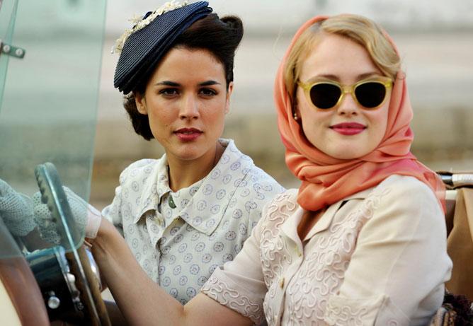 7 series de Netflix que amarás por los increíbles vestuarios - el-tiempo-entre-costuras