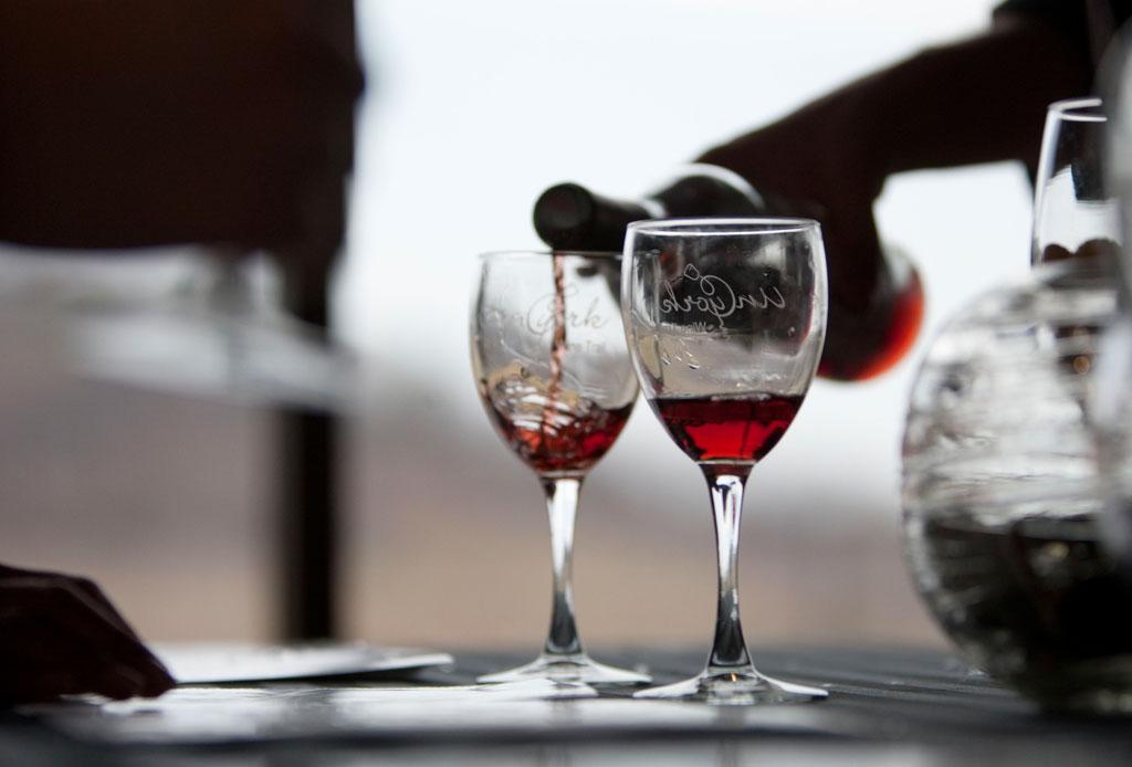 ¿Conoces todos los beneficios del vino tinto? - vino-tinto-2