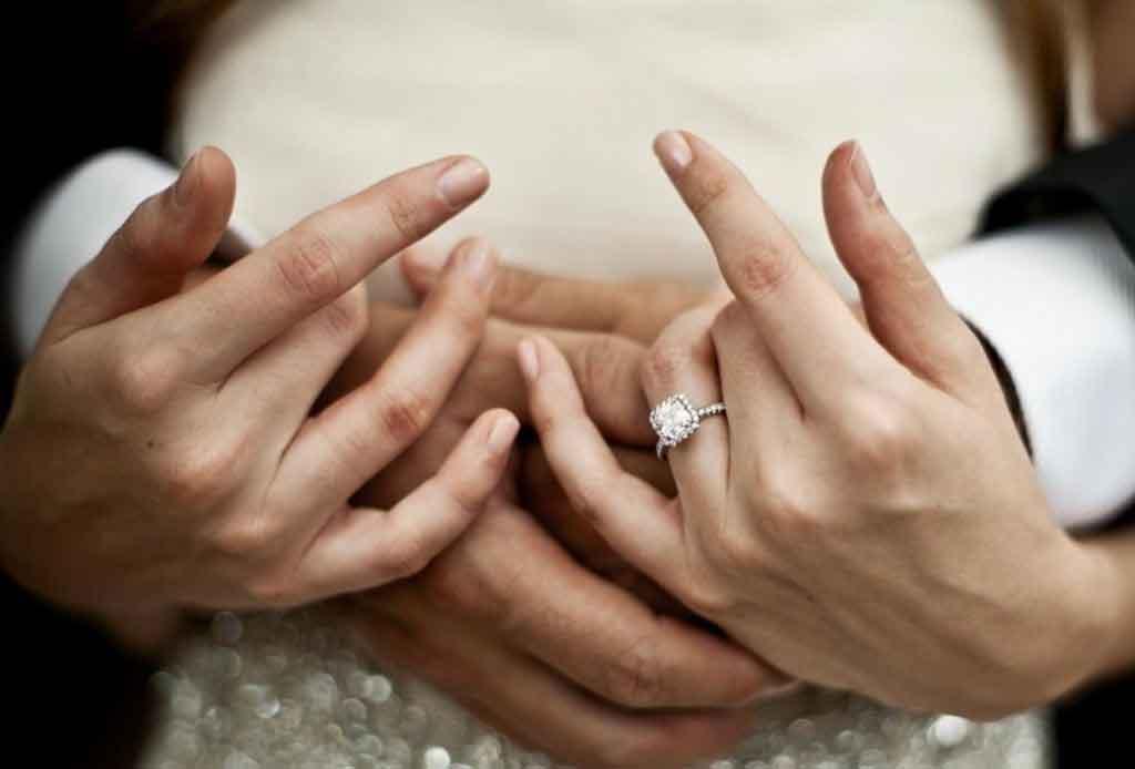 5 elementos que se buscan en los anillos de compromiso actuales - anillos-compromiso-3