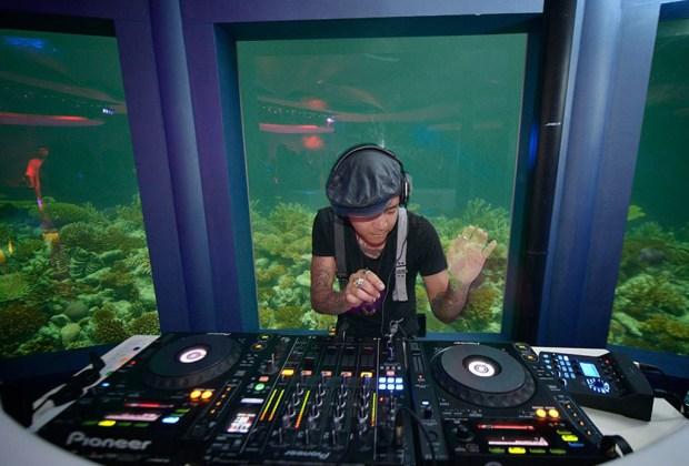 Subsix: el primer nightclub bajo el agua - dj-1024x694