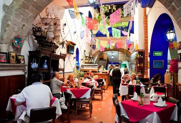 Los 6 restaurantes más antiguos de la CDMX - hosteria-1024x694