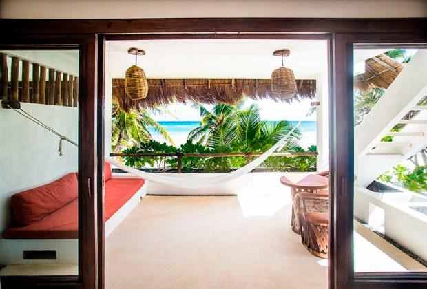 13 hoteles en Tulum para ir con tu pareja - the-beach-1024x694