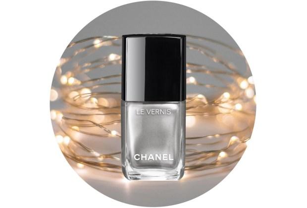10 nuevos esmaltes de uñas para usar esta temporada de fiestas - chanel-le-vernis-liquid-mirror-1024x694