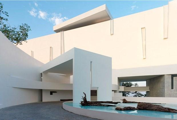 8 exclusivos hoteles minimalistas en México para tu próxima vacación - encanto-acapulco-minimalista-1024x694