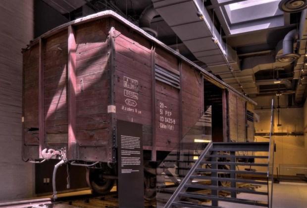 10 razones para visitar el Museo de Memoria y Tolerancia si aún no lo has hecho - museo-tren-1024x694