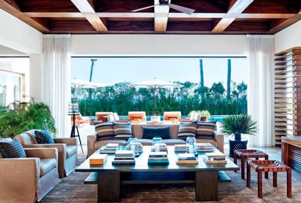 George Clooney pone a la venta su casa en Los Cabos - sala-george-clooney-1024x694