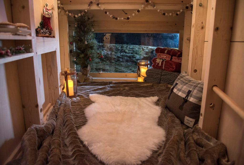 Tu mejor aliado para acampar: Land Rover - lrc2b73