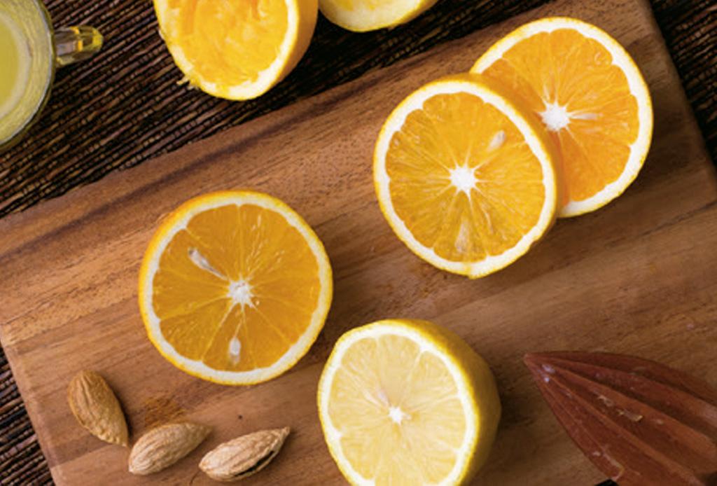 Estos alimentos son clave para ayudarte a curar la cruda - naranja-1024x694