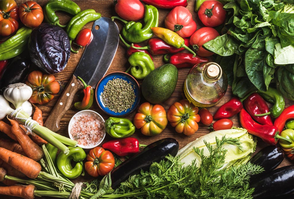 De acuerdo a los chefs, estas serán las tendencias de comida más importantes de 2020 - vegetariano-verduras-1024x694