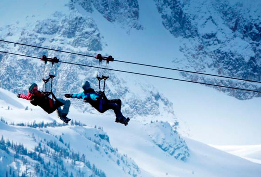 8 actividades para disfrutar Whistler al máximo durante invierno - zipline