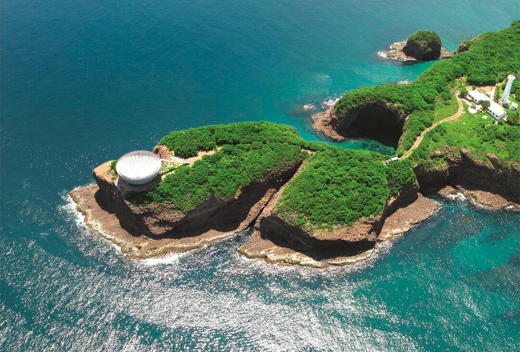 Costa Careyes: la fascinante playa mexicana que fusiona exclusividad, ecología y arte - cc-flora