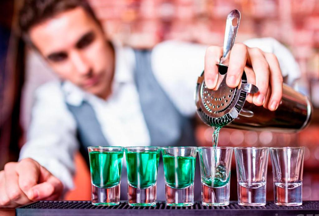 La playlist que te inspirará a preparar drinks como un bartender profesional