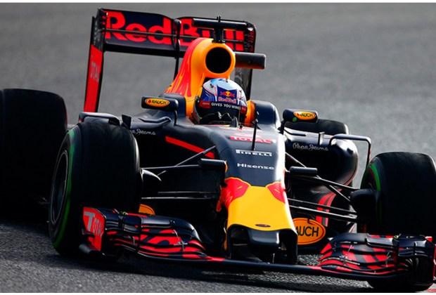 Los pilotos que estarán presentes en las escuderías de la F1 en el 2017 - red-bull-1-1024x694