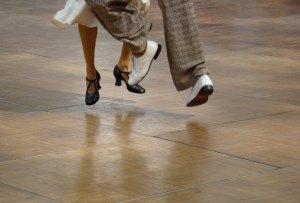El par de calcetines interactivos para aprender a bailar