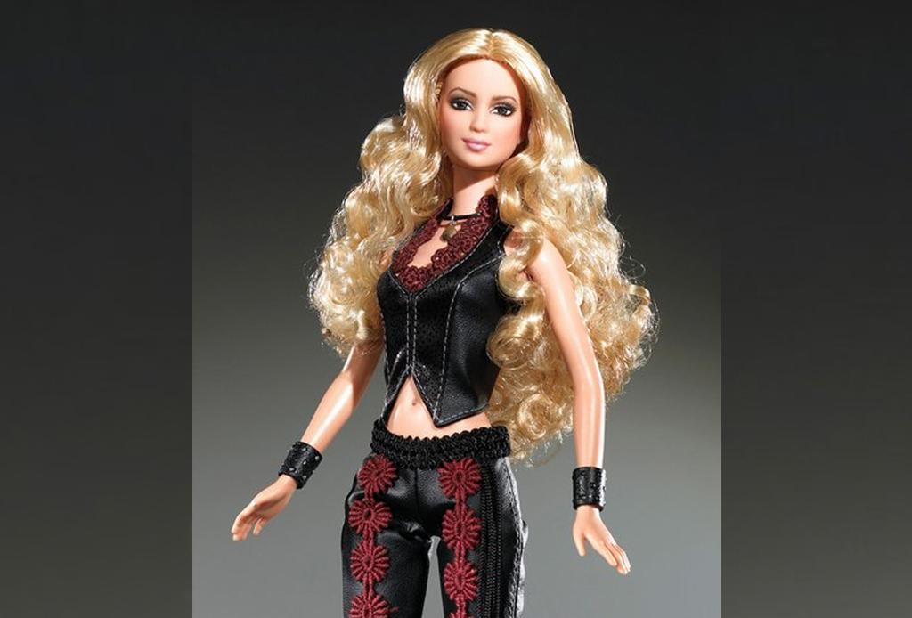 Celebridades que fueron convertidas a muñecas Barbie - shakira