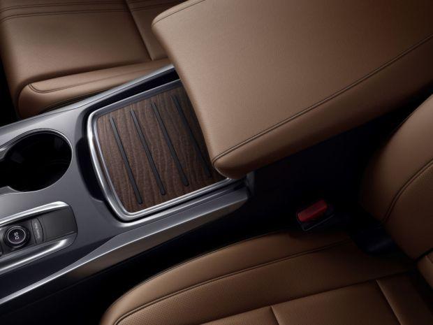 ¡Acura lanza su primera SUV híbrida! - asientos-1024x768