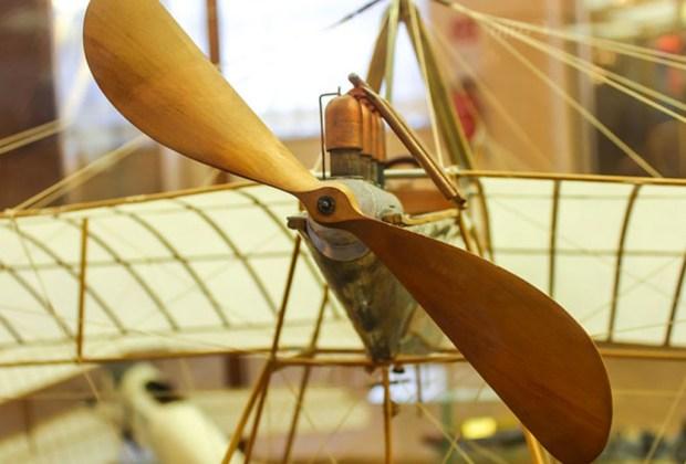 Las invenciones de Leonardo Da Vinci regresan a México - leonardo-da-vinci-avion-1024x694