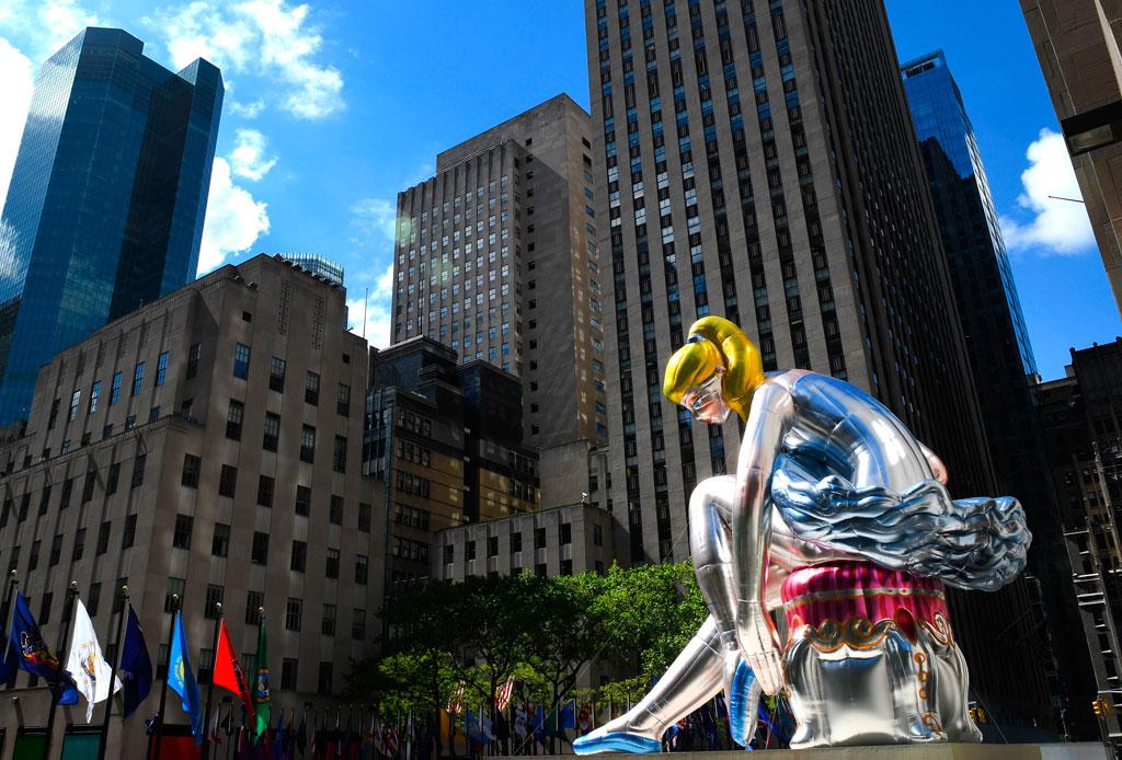 ¡Una bailarina gigante invade el Rockefeller Center! - bailarina-rockefeller-center-2