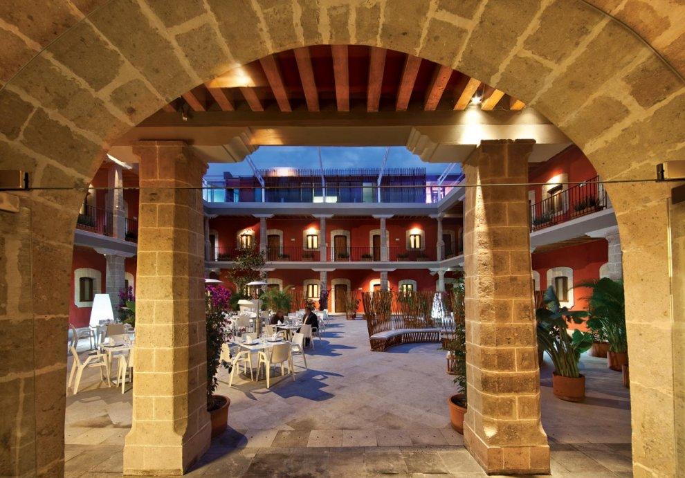 5 edificios históricos que se han convertido en hoteles en México - cortes