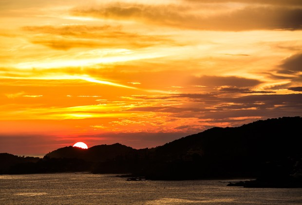 7 razones para que tu próxima vacación sea en Ixtapa Zihuatanejo - ixtapa-zihuatanejo-atardecer-1024x694