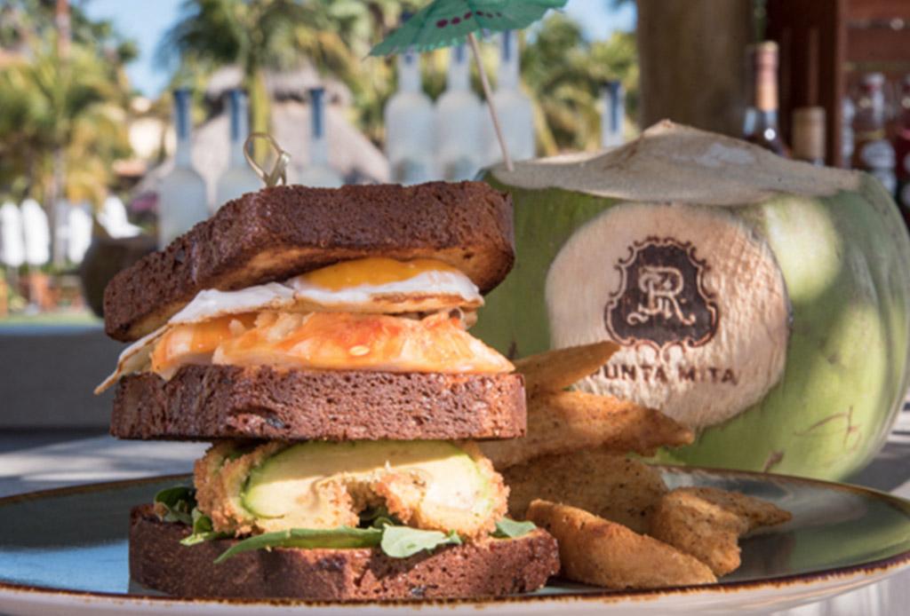 El Avocado Bar que debes conocer en The St. Regis Punta Mita Resort