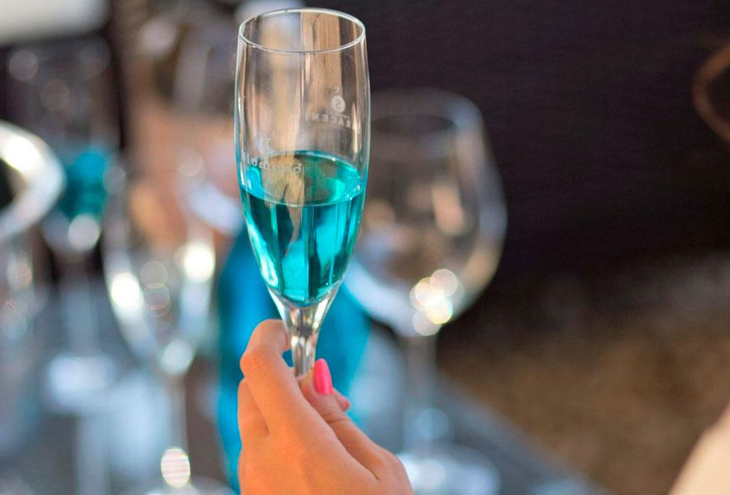 Mermaid prosecco: el vino que querrás probar este verano - vino-sirena