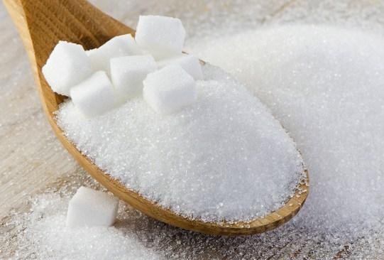 ¿Sabías que estos alimentos provocan el envejecimiento prematuro de tu cuerpo? - azucar-300x203