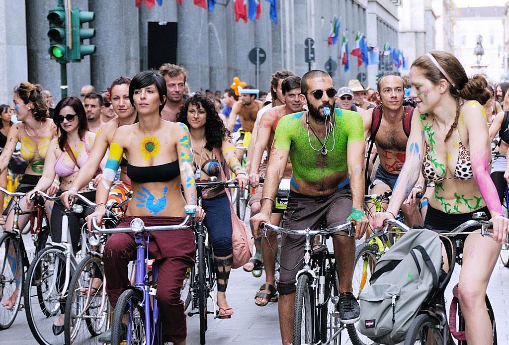 ¡El World Naked Bike Ride ha tomado las ciudades! - bike-tour-4