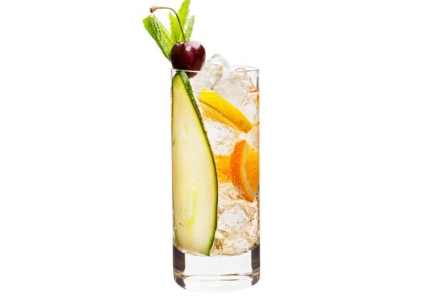 Prepara un rico coctel con champagne para el verano - coctel-1024x694