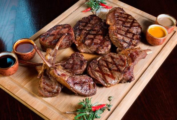 Los 6 pasos para preparar una deliciosa carne asada - reposar-1024x694