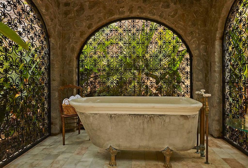 Descubre la increíble Villa de Betsey Johnson ¡en Zihuatanejo! - betsey-johnson-villa-airbnb-3