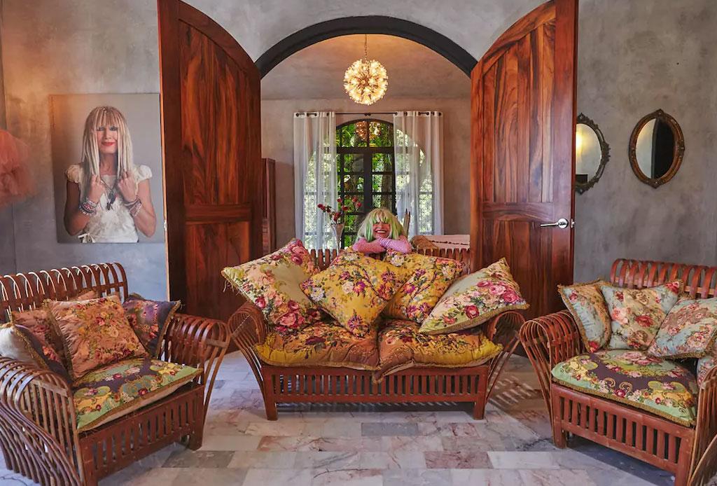 Descubre la increíble Villa de Betsey Johnson ¡en Zihuatanejo! - betsey-johnson-villa-airbnb-6