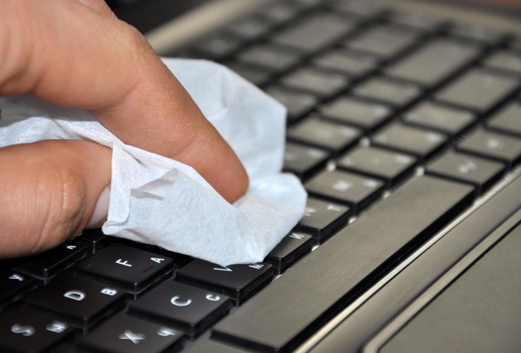 Lo que debes hacer si derramas líquido en tu laptop - computadora-liquido-5