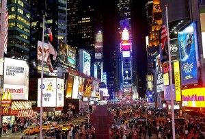 Durante julio: Audemars Piguet toma Times Square a las 11:57 PM