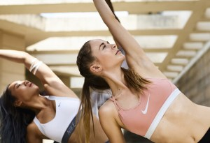 Ya puedes practicar yoga desde la app Nike Training Club