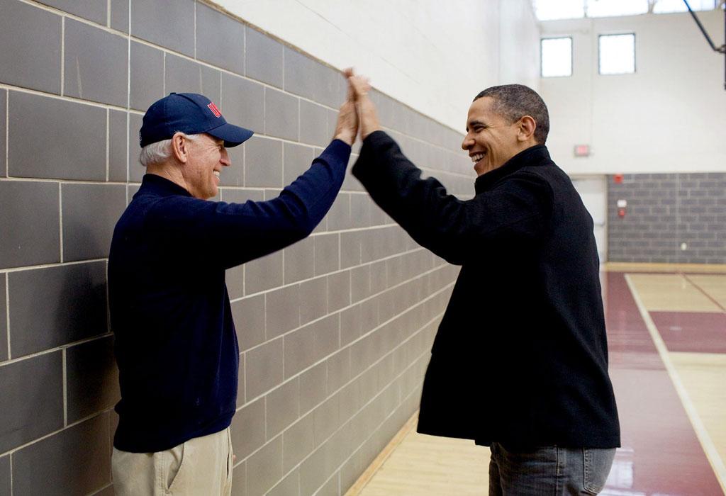 6 razones por las que amamos (y extrañamos) a Barack Obama - obama-y-biden