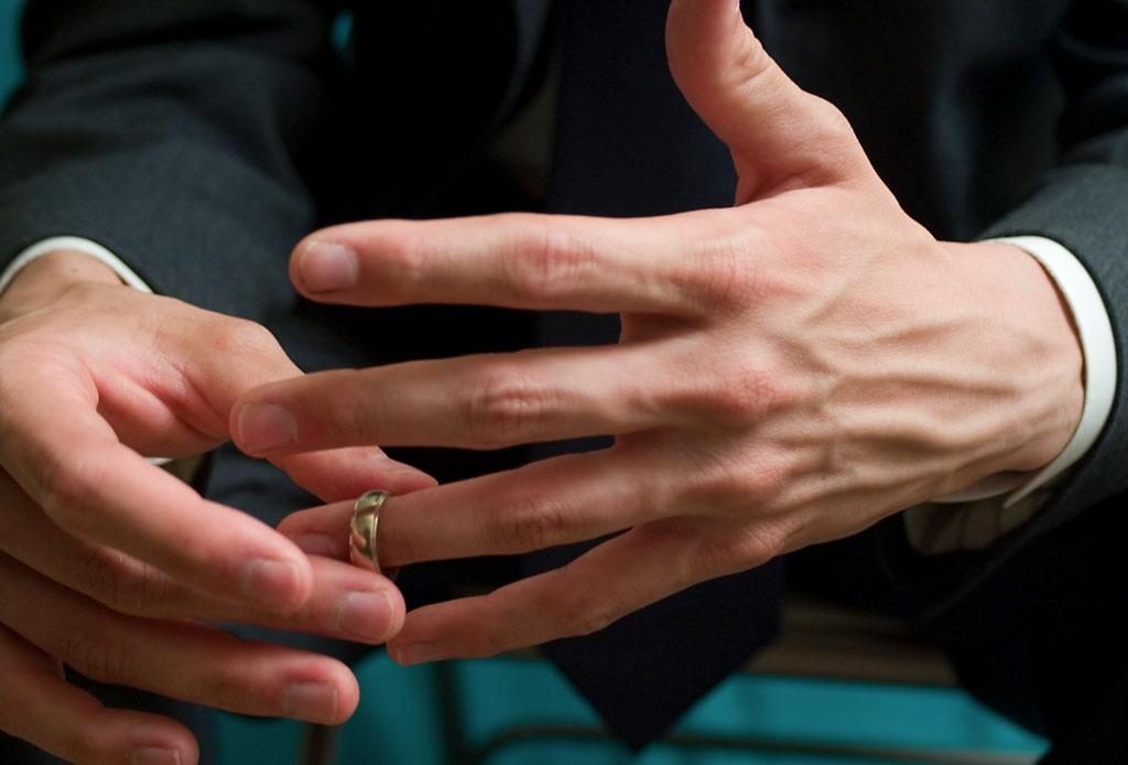 ¿Qué hacer con tu anillo de compromiso si ya NO estás comprometido/a o casado/a? - anillo