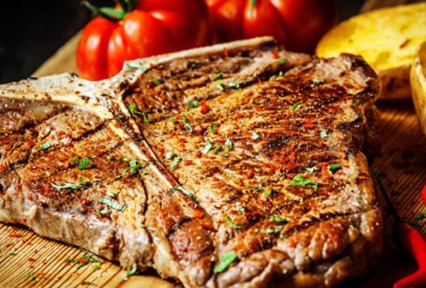 ¿Pides tu carne bien cocida? Debes dejar de hacerlo ¡YA! - carne-dura-1024x694