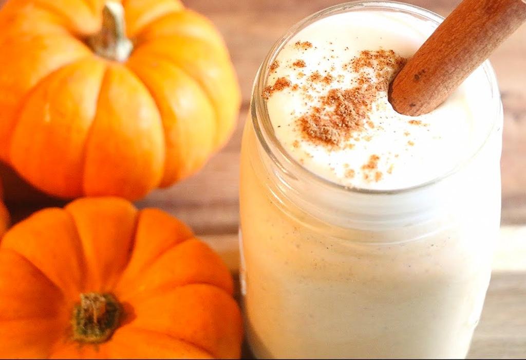 Recibe el otoño con esta malteada de pumpkin pie
