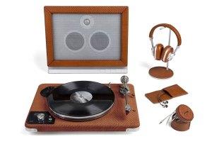 ¡Descubre los gadgets musicales cubiertos de piel de la colección Zegna Toyz!