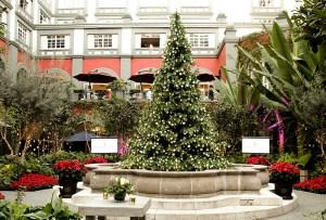 Todo lo que no sabías del árbol de navidad del Four Seasons Ciudad de México