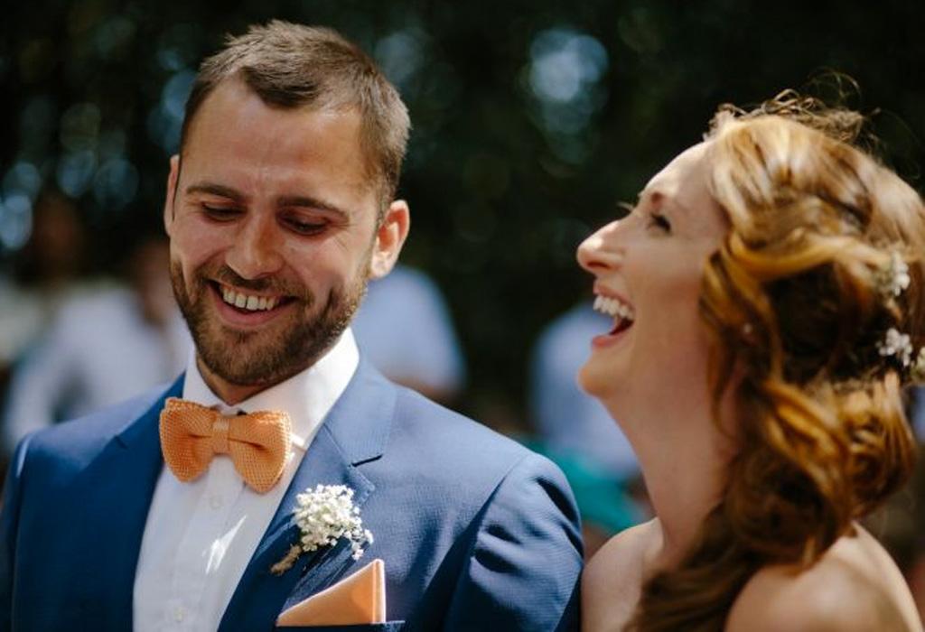 ¿Cómo se deben de vestir los hombres en una boda en jardín? - novios2