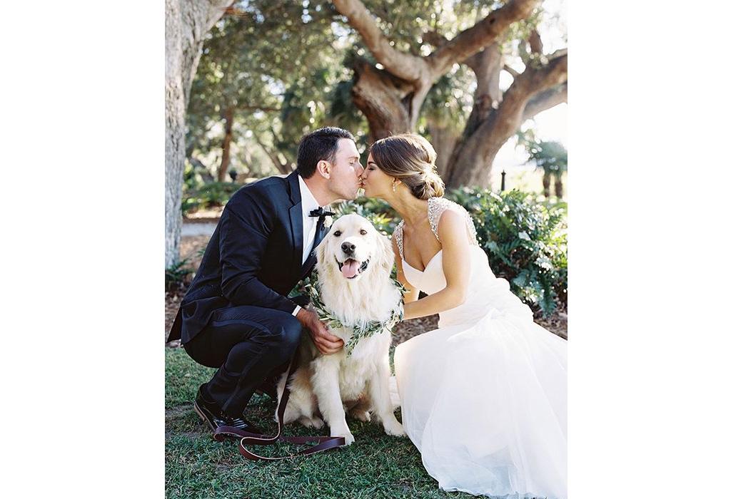 ¿Cómo puedes incluir a tu perro en tu boda? - photobombers
