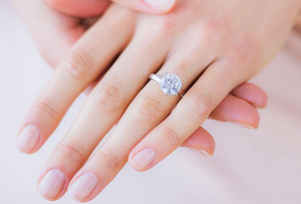 ¿Te comprometiste? Estos son los cuidados que debes darle a tu anillo - anillo-compromiso-1